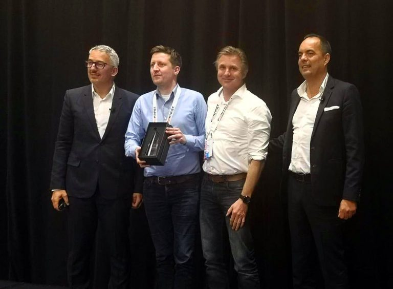 Fortinet EMEA award Partner growth 2018 Pat en Roel op het podium